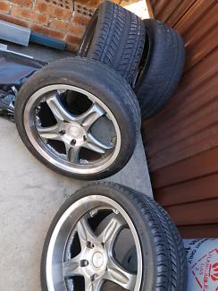 4 tyres . 2 x 265/35ZR18 &2× 225/40 ZR18