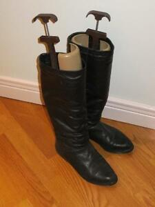 Leather boots London Ontario image 1
