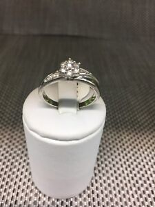 9ct white gold ring with cluster diamonds - size Q Logan Central Logan Area Preview