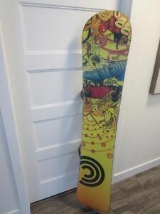 ensemble complet snowboard burton,presque neuf!