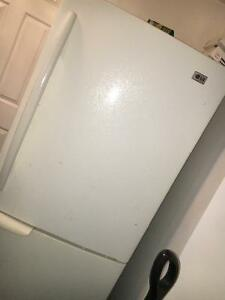 GOOD CONDITION LG FRIDGE FOR SALE ASAP Cambridge Kitchener Area image 1