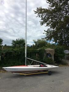 REDUCED: Bombardier Invitation Sailboat Dinghy