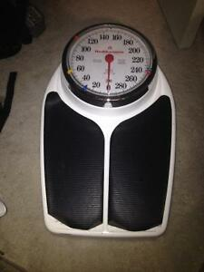 scale for sale- paid $60+tax - $19 (metrotown)