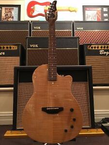 TOM ANDERSON CROWDSTER - ELECTRIC-ACOUSTIC GUITAR