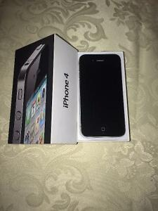 Used in good condition iPhone 4 Black 16gb Bell