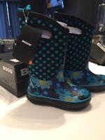 Brand new with tags girls BOGS