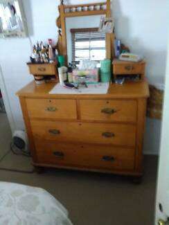 dressing table bedroom(circa Edwardian)