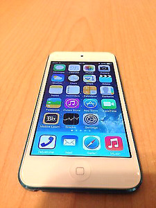 Mint Apple iPod touch 5th gen with OtterBox and earphones