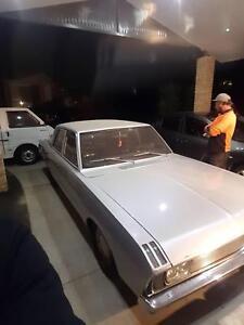 Valiant Sedan v8 moper custom show