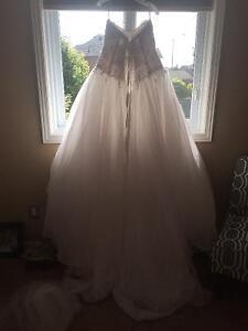 Essence of Australia Wedding Dress Cambridge Kitchener Area image 2