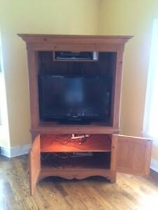 TV and Stereo Entertainment Cabinet for Sale Cornwall Ontario image 1