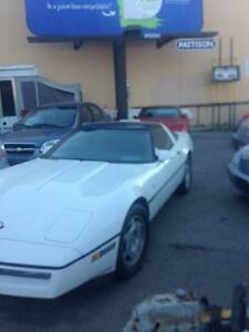 1988 Chevrolet Corvette Coupe (2 door)