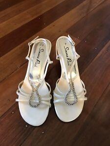 Ivory sandals Upper Mount Gravatt Brisbane South East Preview