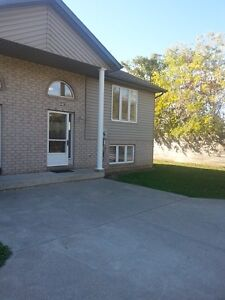 2 Bedrooms Local House Rentals In Chatham Kent Kijiji Classifieds