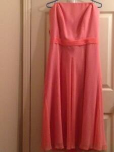"New ""B2 by Jasmine"" Bridesmaid Dress - Sz 18"