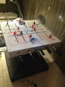 MINT CONDITION BUBBLE HOCKEY GAME