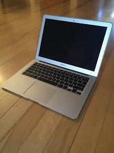 2011 Macbook Air Laptop (120gb SSD, 4GB RAM, 1.7GHZ i5)