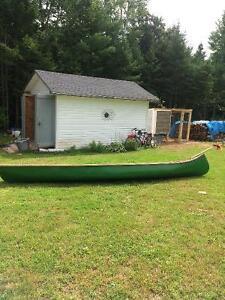 16' fibreglass square back canoe