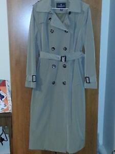 LONDON FOG TRENCH COAT - NEW - GREAT BUY!!