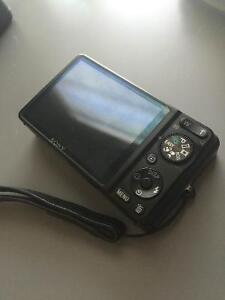 Sony cyber-shot perfect condition Peterborough Peterborough Area image 2
