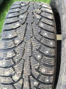 4 pneus d hiver 205/55r16 nokian à clous