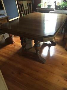 Beautiful Antique Dining Set