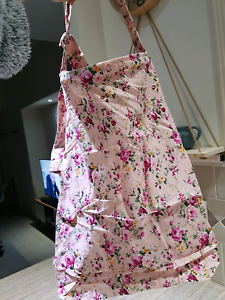 Beautiful Breast feeding cover Apron Varsity Lakes Gold Coast South Preview
