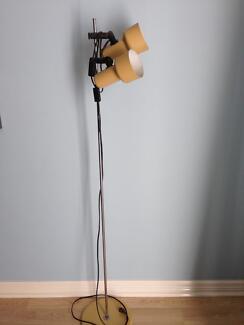 Standard floor lamp