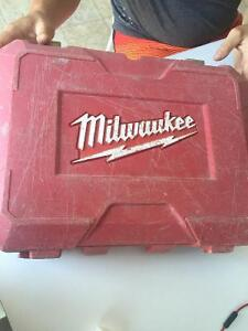 Perceuse Milwaukee 18v