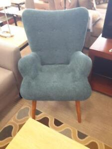 *** NEW *** ASHLEY PELSOR TURQUOISE CHAIR   S/N:51299647   #STORE545