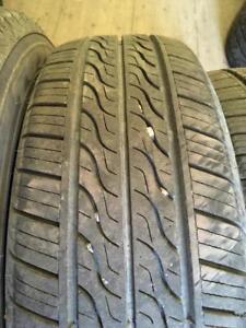 4 pneus 195/65r15 toyo a l etat neufs