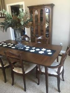 dining set Cambridge Kitchener Area image 1