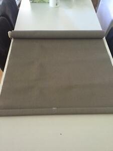 2 stores roller blinds PRESQUE NEUF pare-soleil blinds to go