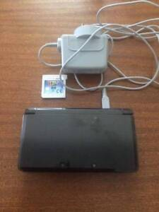 3DS Lite with 3 games Wantirna South Knox Area Preview