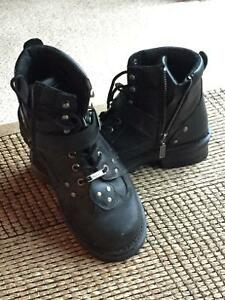 Women's motorcycle riding boots Comox / Courtenay / Cumberland Comox Valley Area image 1