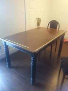 Excellent Wood Dining Table, used but in great shape