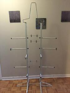 DELUXE HOCKEY EQUIPMENT DRYING STAND  SOLID AND ROBUST  EXCELLEN