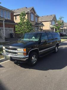 1999 Chevrolet Suburban Make an Offer