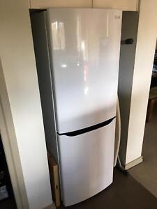 LG 306 liter fridge freezer in excellent condition Cremorne North Sydney Area Preview