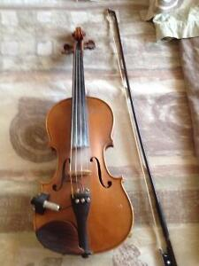 Yamaha fiddle with pick up