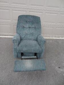 Fully Reclining Rocking Chair Peterborough Peterborough Area image 2