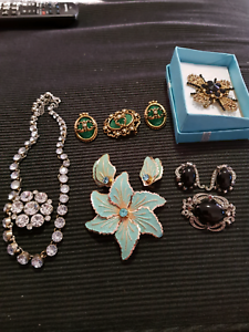 Costume jewellery price for lot Nundah Brisbane North East Preview