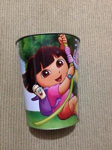 Dora garage can