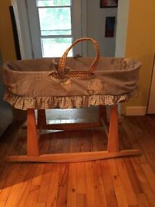 Moses basket and stand - Bassinet