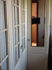 FREE FREE FREE FREE 4 wardrobe doors, with glass, and one with mirror NEED GONE TODDAY