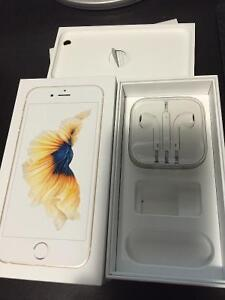Box of iPhone 6S and new headphones West Island Greater Montréal image 2
