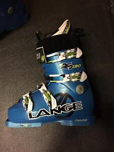 Barely used Lange RS 130 boots (size 26.5)