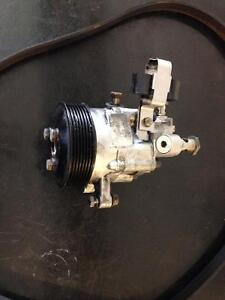 Power steering pump for 7 series BMW with hydraulic level system