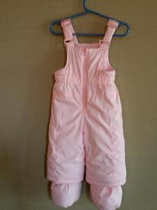 Girls snow pants...in NEW condition