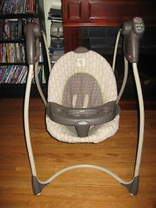 BABY SWING MADE BY GRACO ! HAS MELODY'S CHIMES Cambridge Kitchener Area image 2